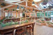 un restaurant à Bled